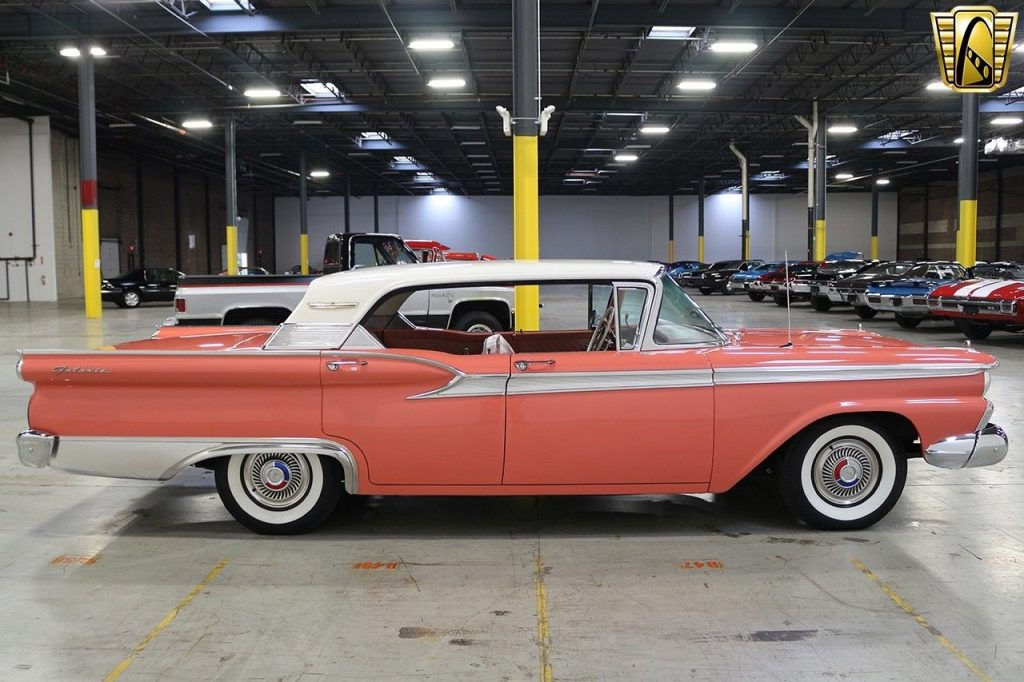 BEAUTIFUL 1959 Ford Fairlane 500